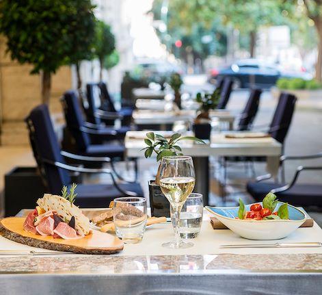 buffet lunch Restaurant Doney